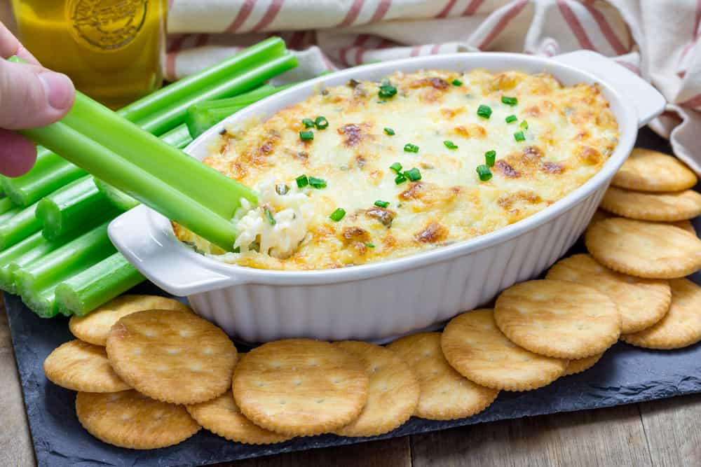 fast-4-ingredient-cheesy=crab-dip-recipe