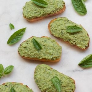green-pea-basil-mint-crostini-recipe