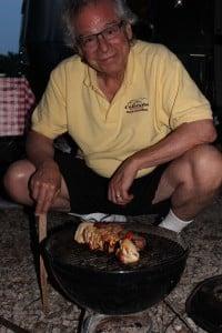 Robert_cooking_kabobs